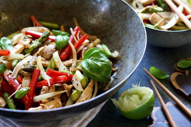 Healthy Bites Recipe: Asparagus & Chicken Stir Fry