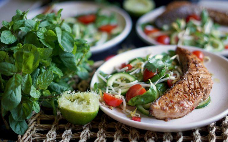 Healthy Bites Recipe: Chilli & Lime Salmon With Thai Herb Salad